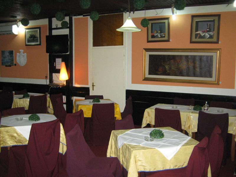 Restoran Pink Panter Korona
