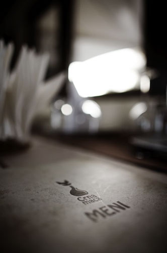 Splav restoran Crna Maca