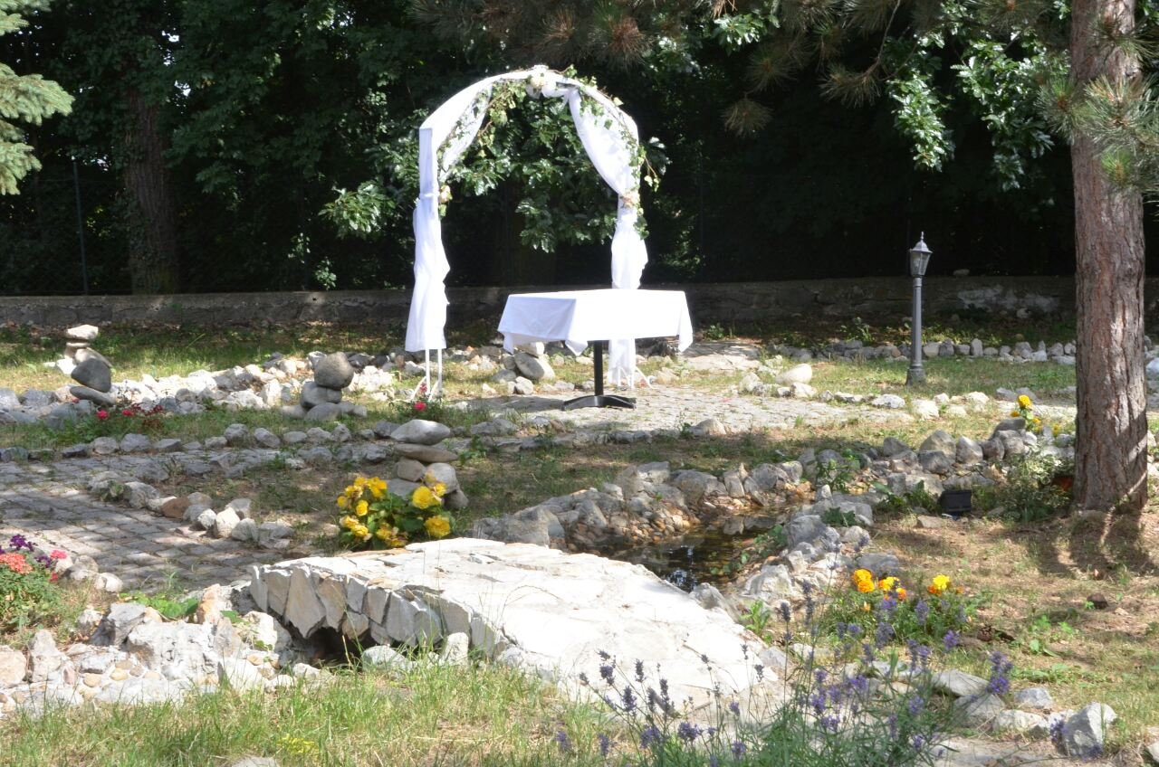 Iznajmljivanje prostora i organizacija venčanja Belwood